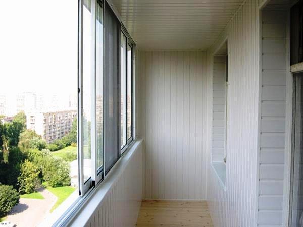 Особенности остекления жилого балкона и лоджии